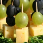 151627-600x409-grapes-and-cheese